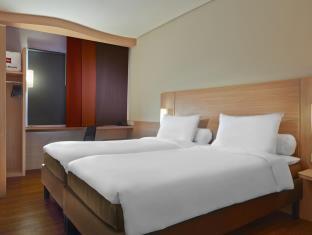 Daftar Hotel Dekat Bandara Halim Perdana Kusuma Jakarta Villa Di Anyer Carita Tanjung Lesung